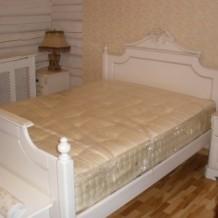 Medinės lovos Telšiuose