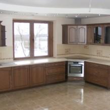 Medinės virtuvės Telšiuose